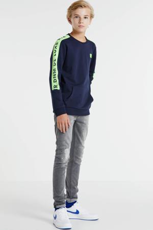 sweater Fredo met logo donkerblauw/neongeel