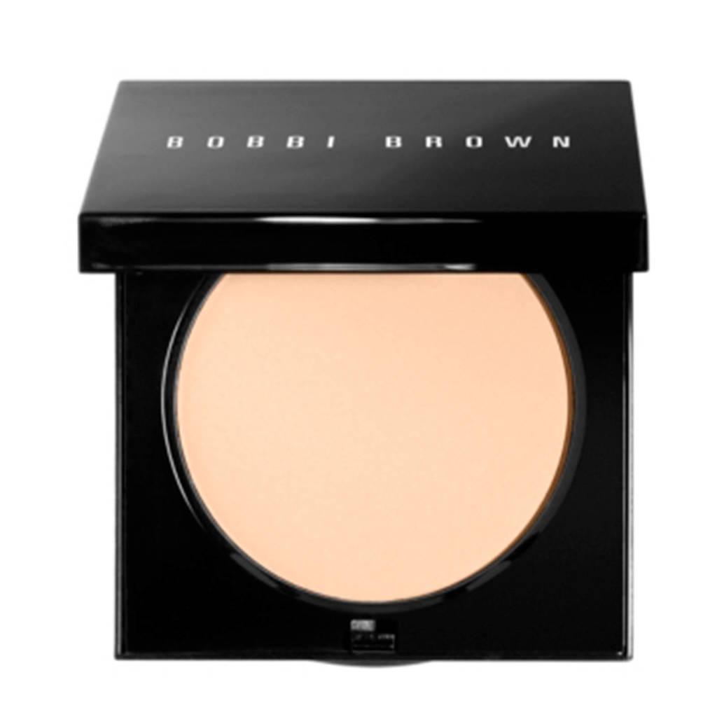 Bobbi Brown Sheer Finish Pressed Powder - Sunny Beige