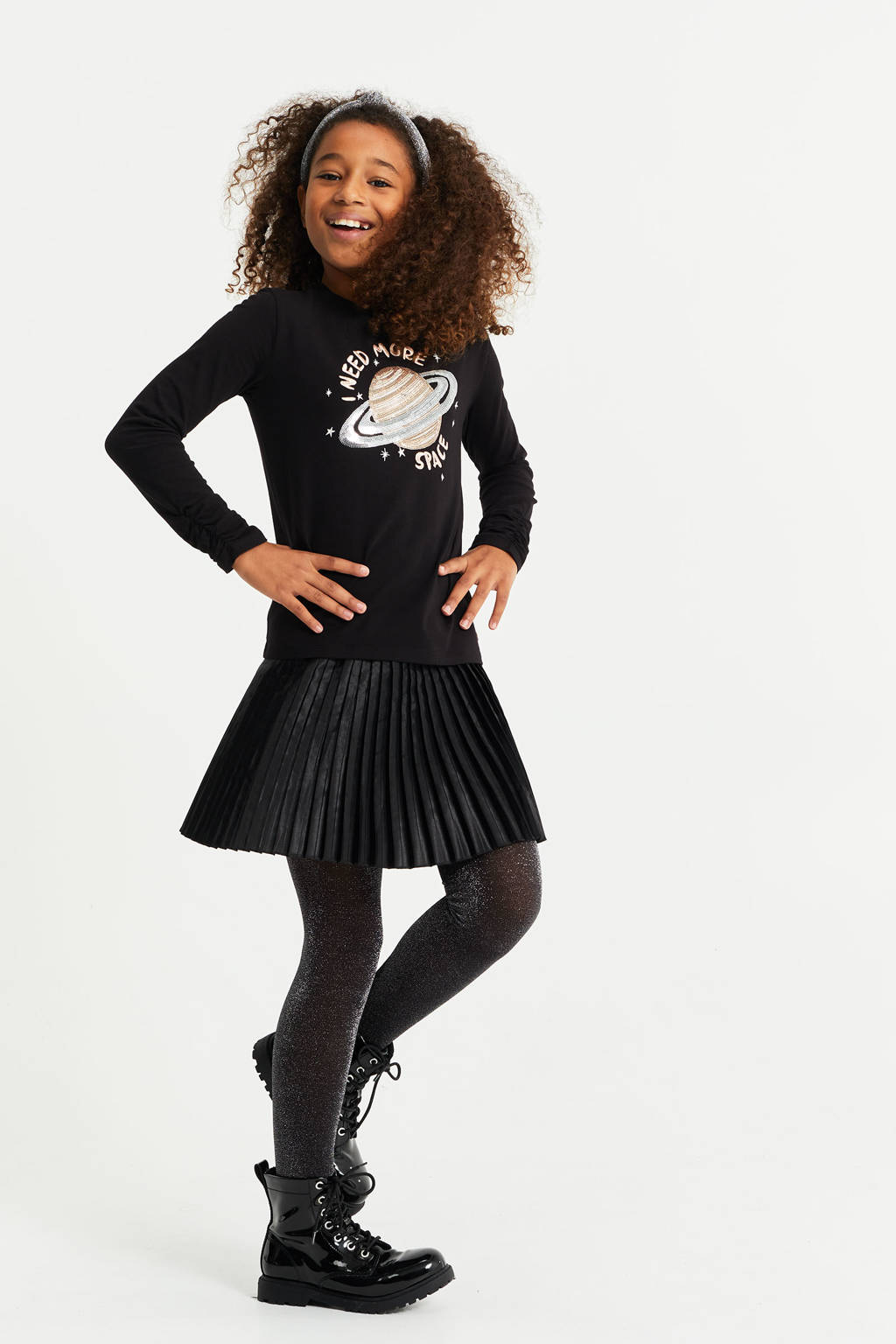 WE Fashion regular fit longsleeve met pailletten zwart, Zwart
