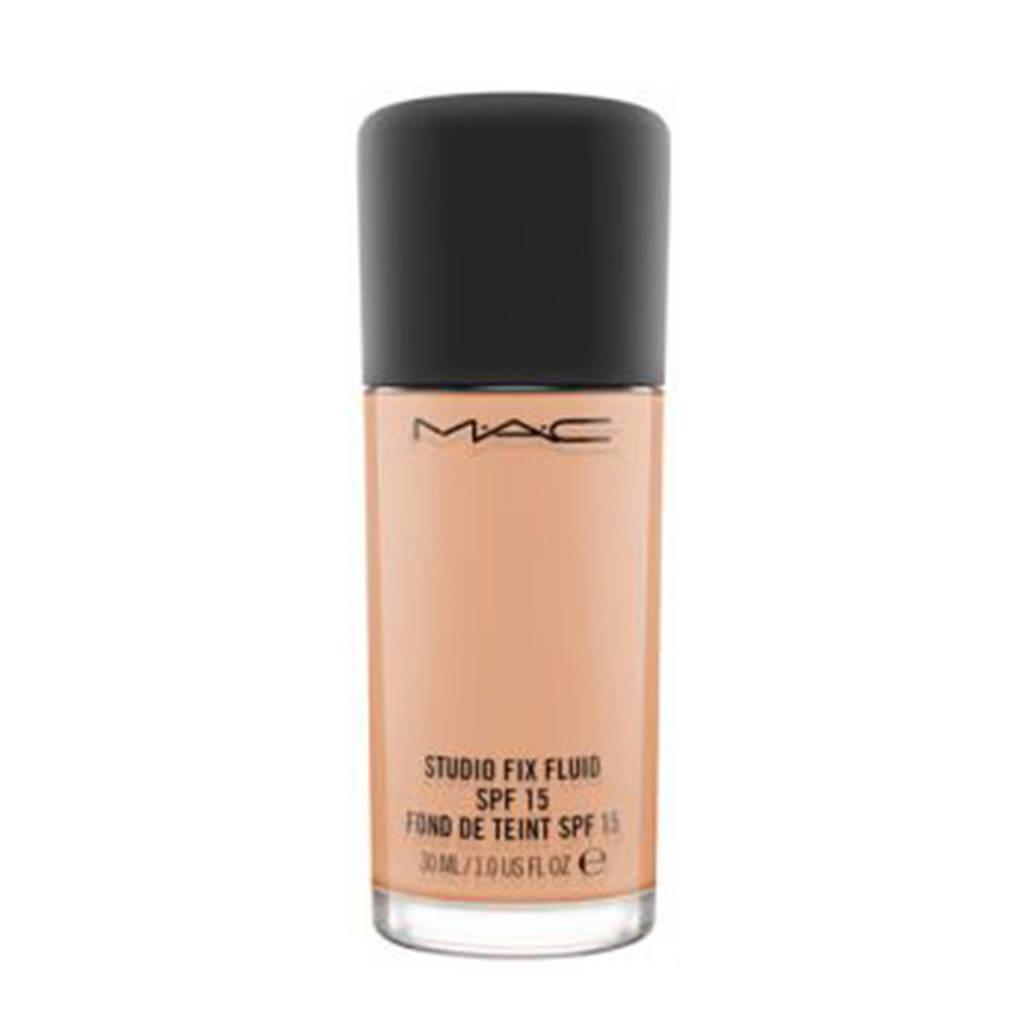 MAC Cosmetics Studio Fix Fluid SPF15 foundation - NW 33