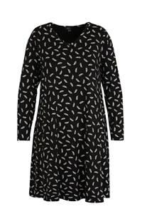 Yesta A-lijn jurk met all over print en plooien zwart/wit, Zwart/wit