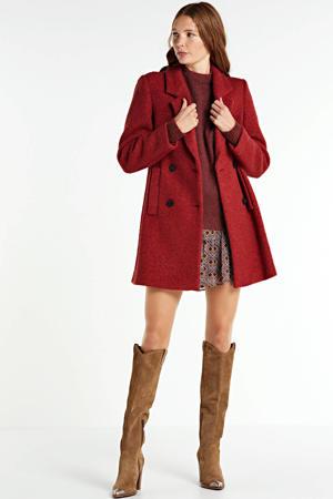 coat brick