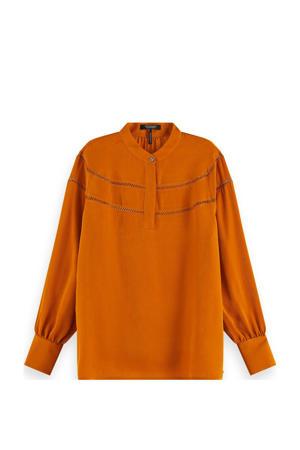 top met open detail oranje