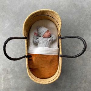 Tuck-Inn baby wiegdeken rib velours bruin