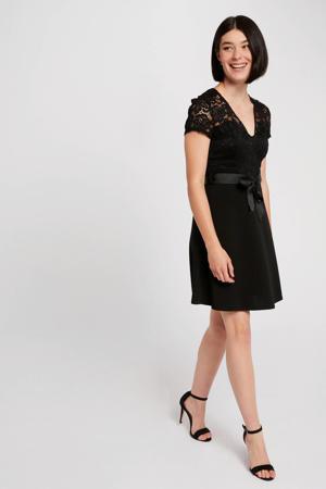 semi-transparante jurk met kant zwart