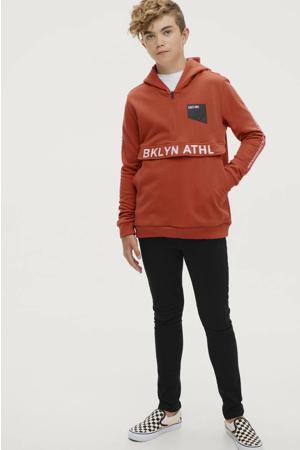 hoodie Damian met tekst donker oranje