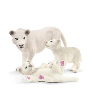 Moeder leeuw met welpjes