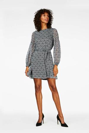 jurk Celie met all over print en ceintuur zwart/wit