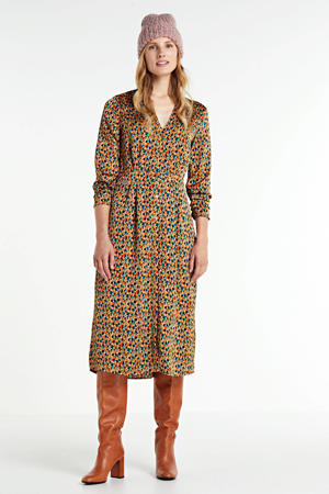 blousejurk Stine met all over print bruin