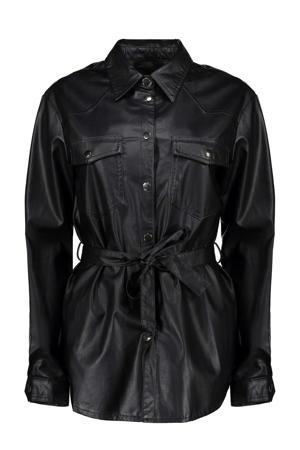 imitatieleren blouse met ceintuur zwart