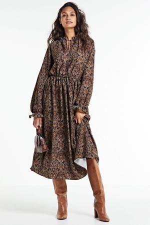 halter jurk met all over print bruin/multi