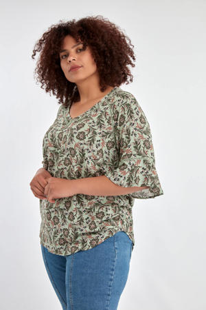 top met all over print groen