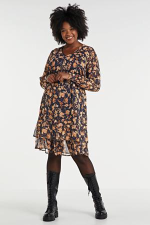 semi-transparante jurk Elni met all over print en plooien zwart/oranje/ecru