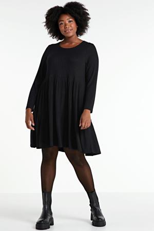 ribgebreide jurk Alic met plooien zwart