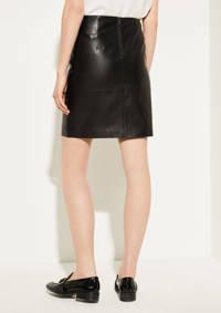 comma rok zwart, Zwart