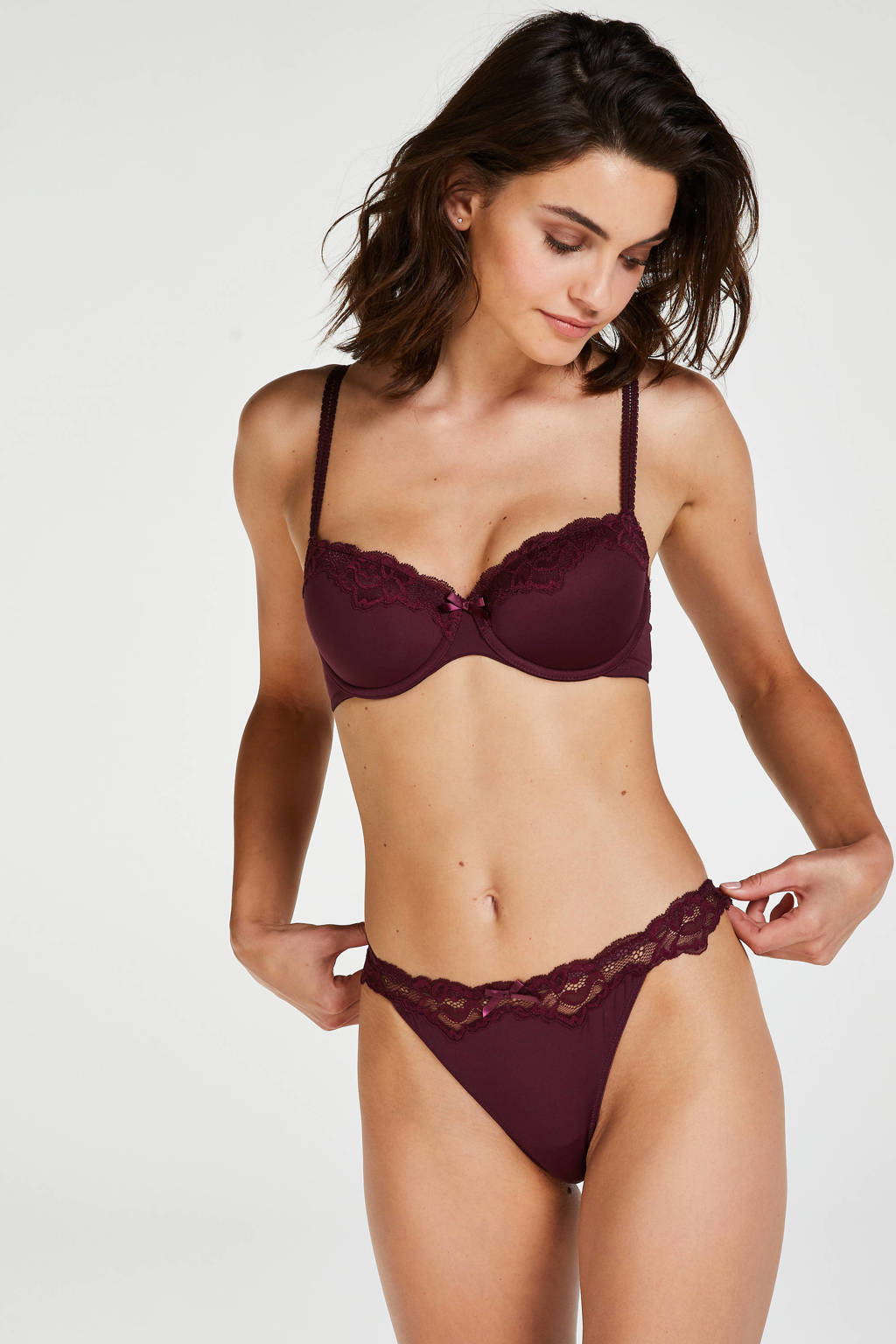 Hunkemöller string Secret Lace donkerrood, Donkerrood