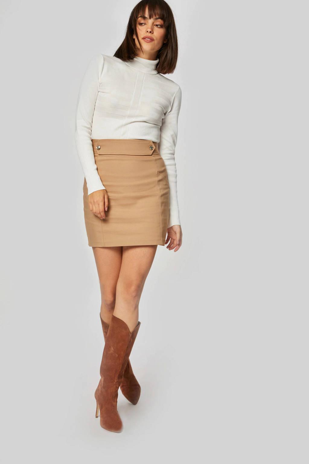 Morgan rok bruin, Bruin