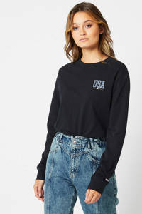 America Today longsleeve Lance met tekst washed black