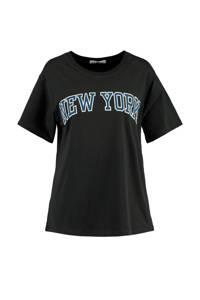 America Today T-shirt Emma met printopdruk washed black