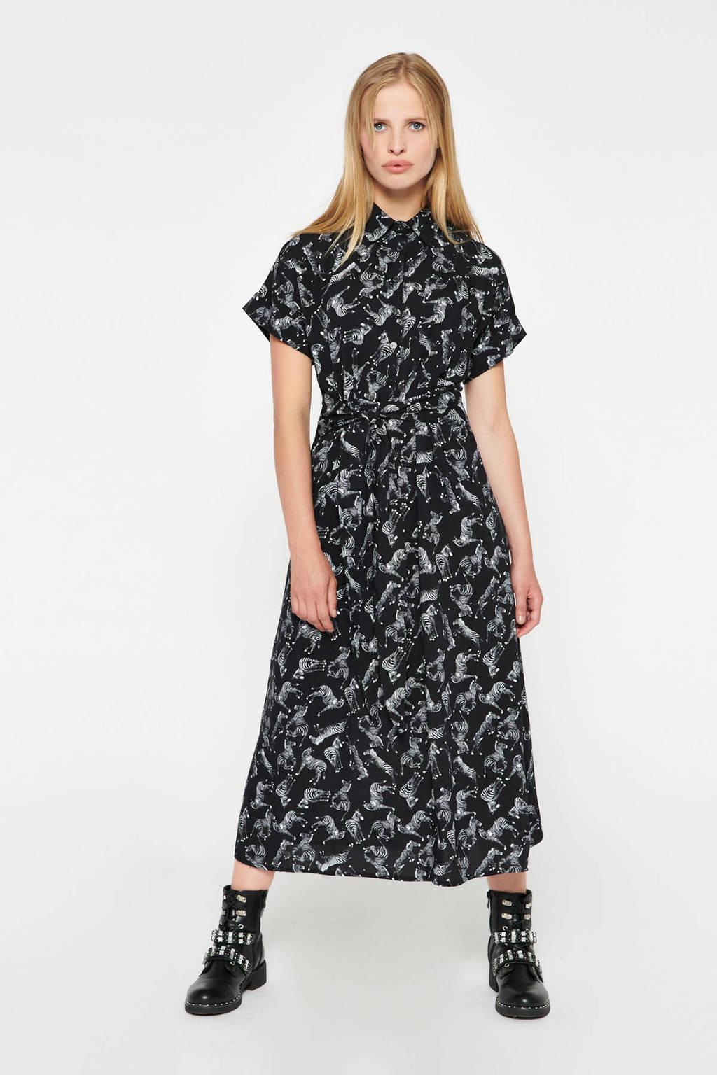 LOLALIZA blousejurk met dierenprint en ceintuur zwart/wit, Zwart/wit