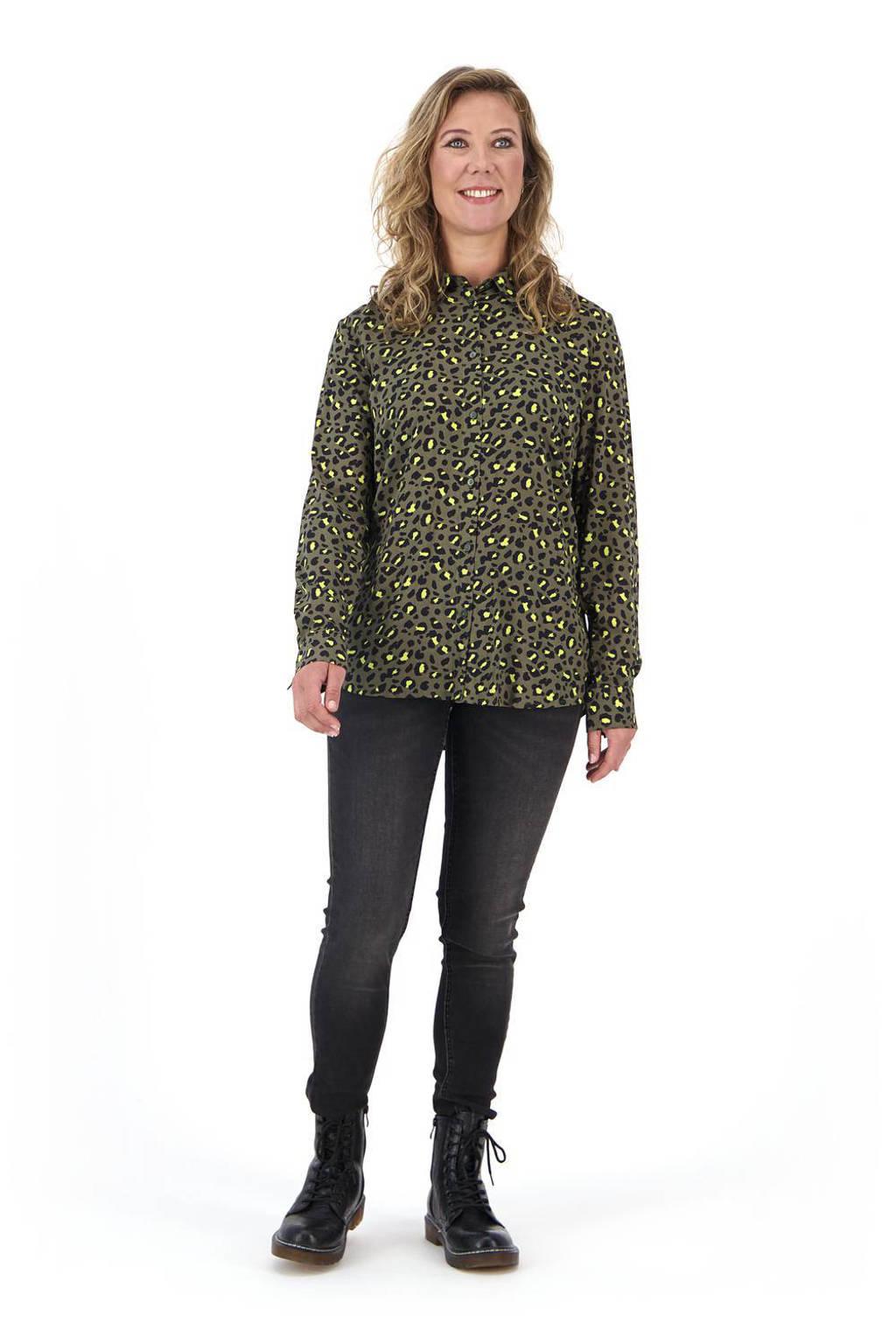 HEMA blouse met panterprint olijf, Olijf