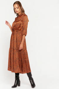 LOLALIZA maxi jurk met all over print en volant roest, Roest