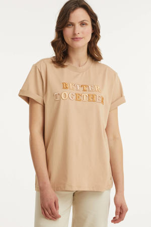 T-shirt Teddy Together met tekst en borduursels beige