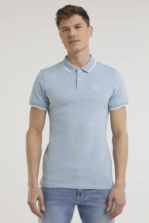 slim fit polo met contrastbies lichtblauw