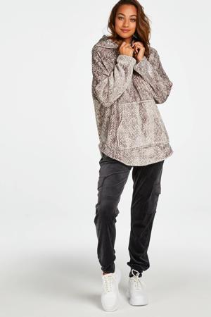 fleece loungetop met capuchon en visgraat print grijs
