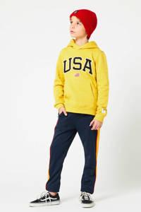 America Today Junior joggingbroek Cad met zijstreep donkerblauw/geel/rood, Donkerblauw/geel/rood