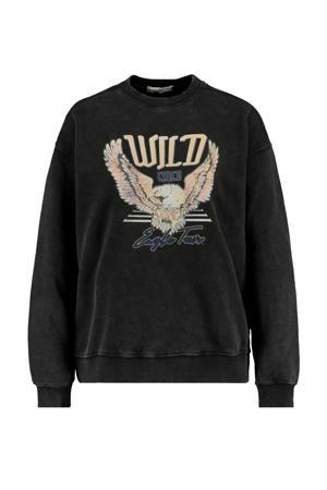 sweater Savannah met tekst washed black