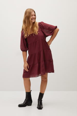 semi-transparante jurk met ruches donkerrood