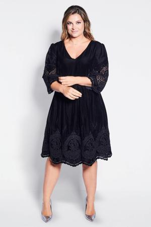velvet jurk met broderie anglaise zwart