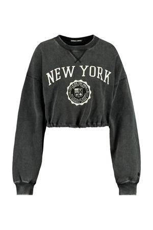 cropped sweater Sarah met tekst washed grey
