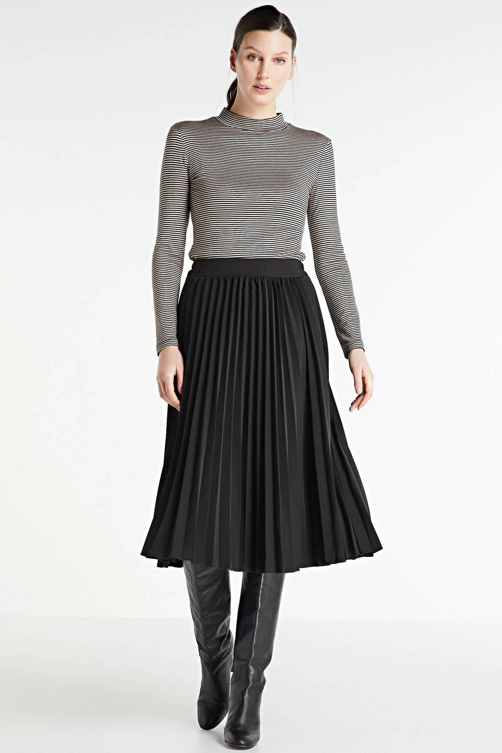 Hailys rok zwart, Zwart