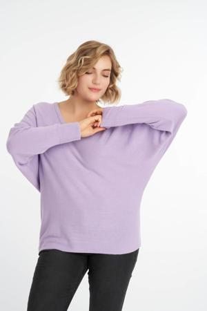 fijngebreide trui met vleermuismouwen lila