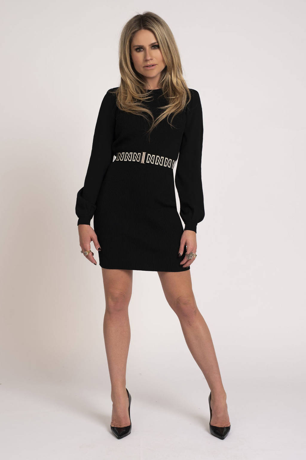 NIKKIE ribgebreide jurk Plum met ceintuur zwart, Zwart