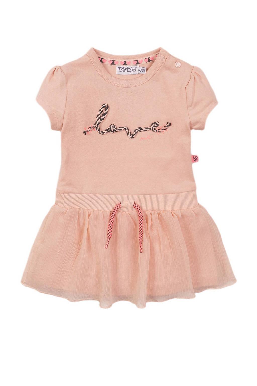 Dirkje jurk met tekst en plooien roze, Roze
