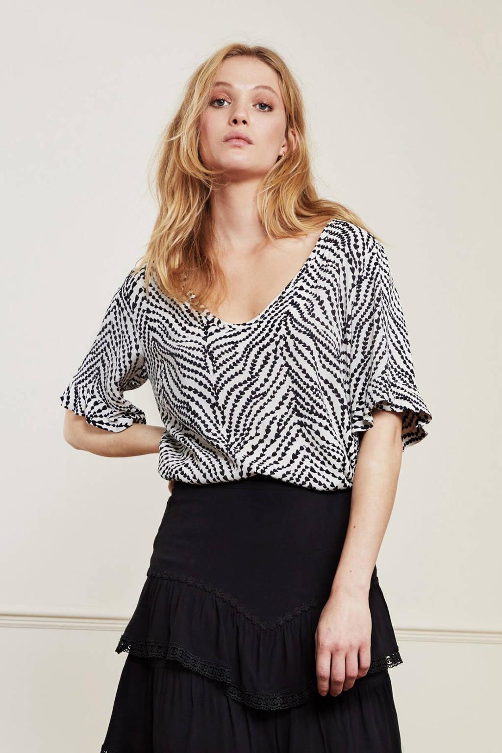 Fabienne Chapot top Vaya met all over print en volant wit/zwart, Wit/zwart