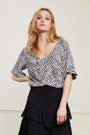 top Vaya met all over print en volant wit/zwart
