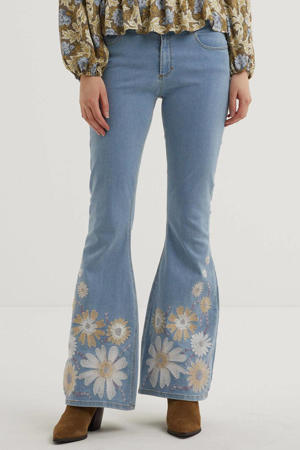 gebloemde flared jeans Eva lichtblauw