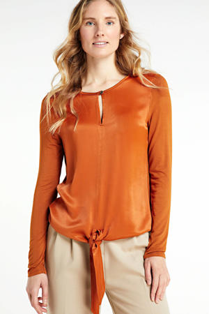 top met open detail oranje