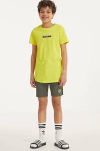 Cars regular fit sweatshort Raisler met tekst army groen/geel, Army groen/geel