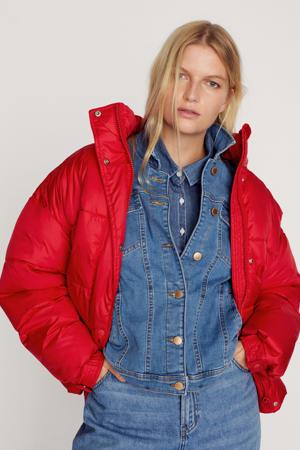 gewatteerde jas van gerecycled polyester rood
