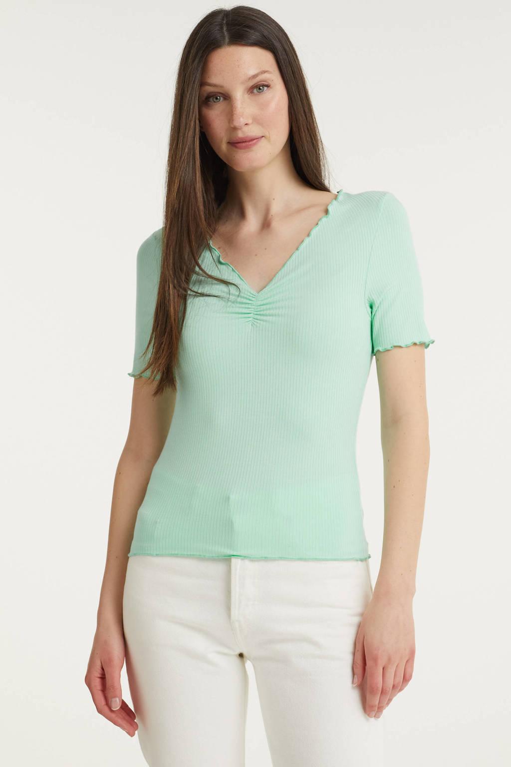 Catwalk Junkie ribgebreid T-shirt Bella met ruches lichtgroen, Lichtgroen