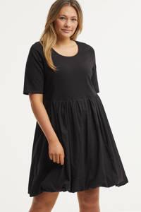 Zhenzi A-lijn jurk GANO met plooien zwart, Zwart