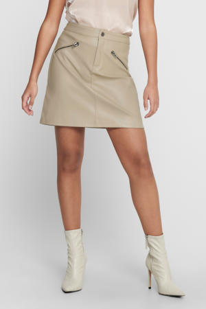 coated rok Heidi zand