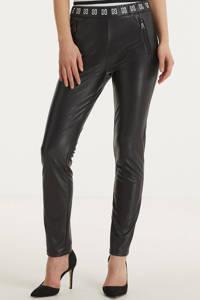 NIKKIE coated slim fit tregging Margot met logo zwart/wit, Zwart/wit