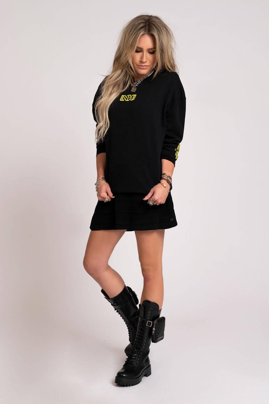 NIKKIE fijngebreide A-lijn rok Karla met textuur zwart, Zwart