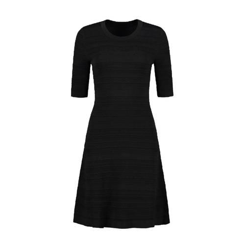 NIKKIE fijngebreide jurk Karla met textuur zwart